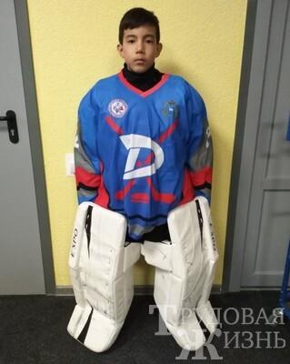 Детский  хоккей  жив