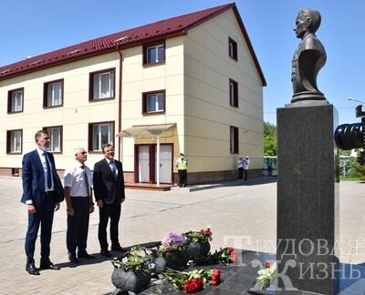 Губернатор  поручил  создать  в  Кротовке  «центр  встречи  поколений»