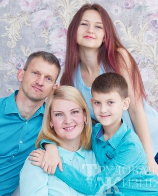 Юлия  ЧЕРНОВА:  «Любовь  к  народной  песне  на  генном  уровне»